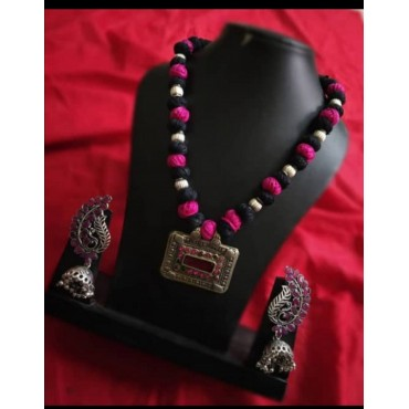 AD114 Purple and Black Thread Chain with Silver Eearing